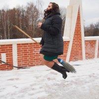 Когда на улице слякоть, лучше перемещаться по воздуху :: Сергей Михальченко