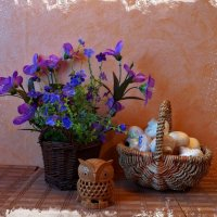 Про совушку, цветы и корзинку с грибами :: Nina Yudicheva