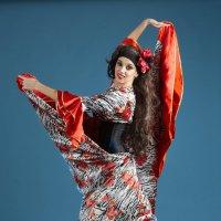 Танец :: Владимир Саблин