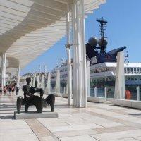 Малага.Скульптура в порту. :: Таэлюр