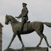 Памятник Георгию Жукову :: Галина К.