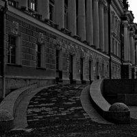 Городской суд на Неве...(Вид сбоку). :: Валентина Потулова