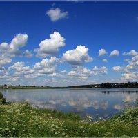 Облака над речкою кружат... :: Дмитрий Потапов