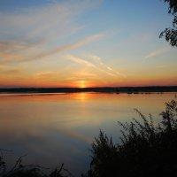 рассвет на озере :: sergej-smv