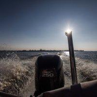Как провожают катера :: игорь щелкалин