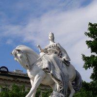 Памятник королеве Марии-Терезии Австрийской в Братиславе. :: Ольга