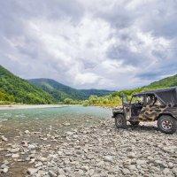Джипинг на реке Шахе :: Алена Бадамшина