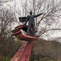Памятник А.И. Маринеско и экипажу п\\л С-13 :: Александр Корчемный
