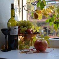 Фрукты,  обогащают вино, подчеркивая его вкус и аромат. :: Anna Gornostayeva