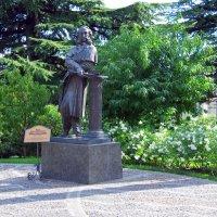 Памятник Айвазовскому в Крыму :: Валерий Новиков