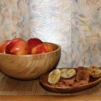 яблоки и сухофрукты :: венера чуйкова