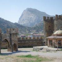 Генуэзская крепость :: Светлана Королева