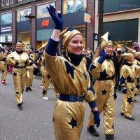 Рождественский парад :: Nina Yudicheva