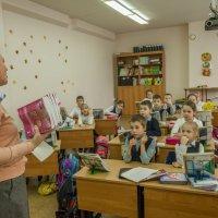 Порой ученики, порой учителя... :: Ирина Данилова