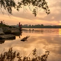 Городская рыбалка на закате :: Aleks 9999