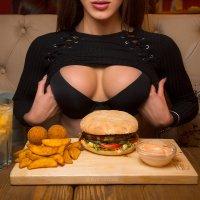 Поход в бургерную :: Артём Олейников