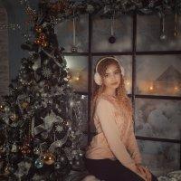 В розовом свитере :: Женя Рыжов