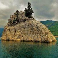 Мимо острова несбывшихся грёз... :: Sergey Gordoff