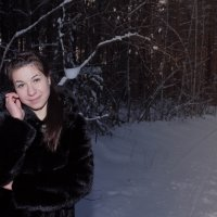 Девушка в лесу :: Евгений Князев
