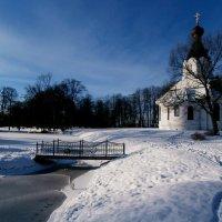 Зима в монастыре.. :: Антонина Гугаева