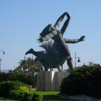 Торремолинас.Скульптура на площади у моря. :: Таэлюр
