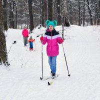 На лесной прогулке Мама,брат и Я, а вместе получилась РАДУГА-СЕМЬЯ!!! :: Anatoley Lunov