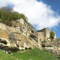 Пещерный город Чуфут-Кале... :: Сергей Леонтьев