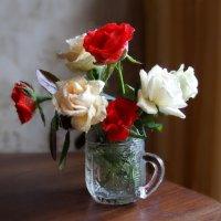 ...Цветы всегда хранятся в сердце посланьем света и любви, :: Людмила Богданова (Скачко)
