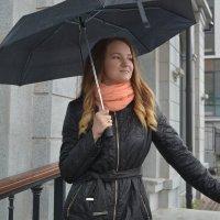 Девушка с зонтом :: Павел Trump