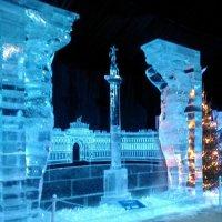 """Александровская колонна. (Выставка """"Ледяная скульптура""""). :: Светлана Калмыкова"""
