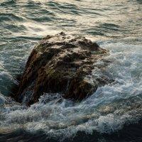 Нашла вода на камень :: Александр Дмитриев