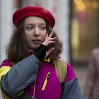 В красном берете :: Александр Степовой