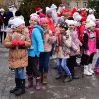 На праздник пришли девчонки :: Владимир Болдырев