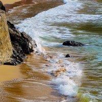 Берег молчит, море поёт… :: Mari_L
