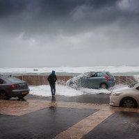 убегающий от волны :: Валерий Цингауз