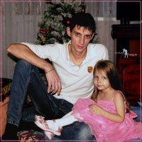 На дядиной коленке. :: Anatol Livtsov