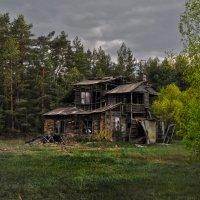 Избушка, стань к лесу задом... Hut, stand to the forest back ... :: Юрий Воронов