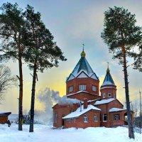 Деревенская церковь зимой :: Дмитрий