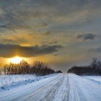 Зимний, дорожный рассвет :: Дмитрий