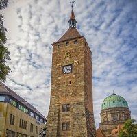 Башня,она же вход в метро :: Сергей Цветков