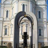 Крест животворящий в Новодевичьем монастыре. :: Ирина ***