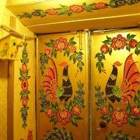 сувенирный магазин дверь :: Анна Воробьева