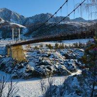 У моста. :: Валерий Медведев