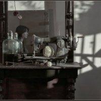 Натюрморт с зеркалом. :: Алексей Хвастунов