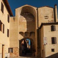Пьенца. Тоскана. Ворота в город (Porta Al Prato). :: Надежда Лаптева