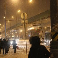 Снежок на Щёлковской. :: Александр Бабаев