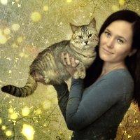 Девушка с котом :: Юрий ОВОДКОВ