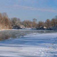 Бежит река Уруп с горы Уруп :: Игорь Сикорский