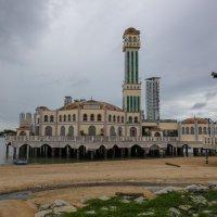 Плавающая мечеть на Пенанге :: Владимир Леликов