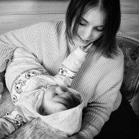 Счастливая мама :: Андрей Хабаров